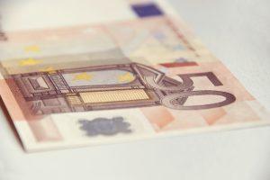 Geld, Zusatzbeiträge, Euro, GKV, Krankenkasse